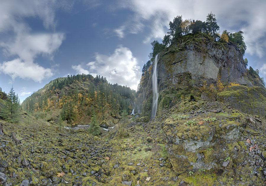 Wahclella Falls along the Columbia River Gorge in Oregon. Autumn, 2010 VIEW FULLSCREEN