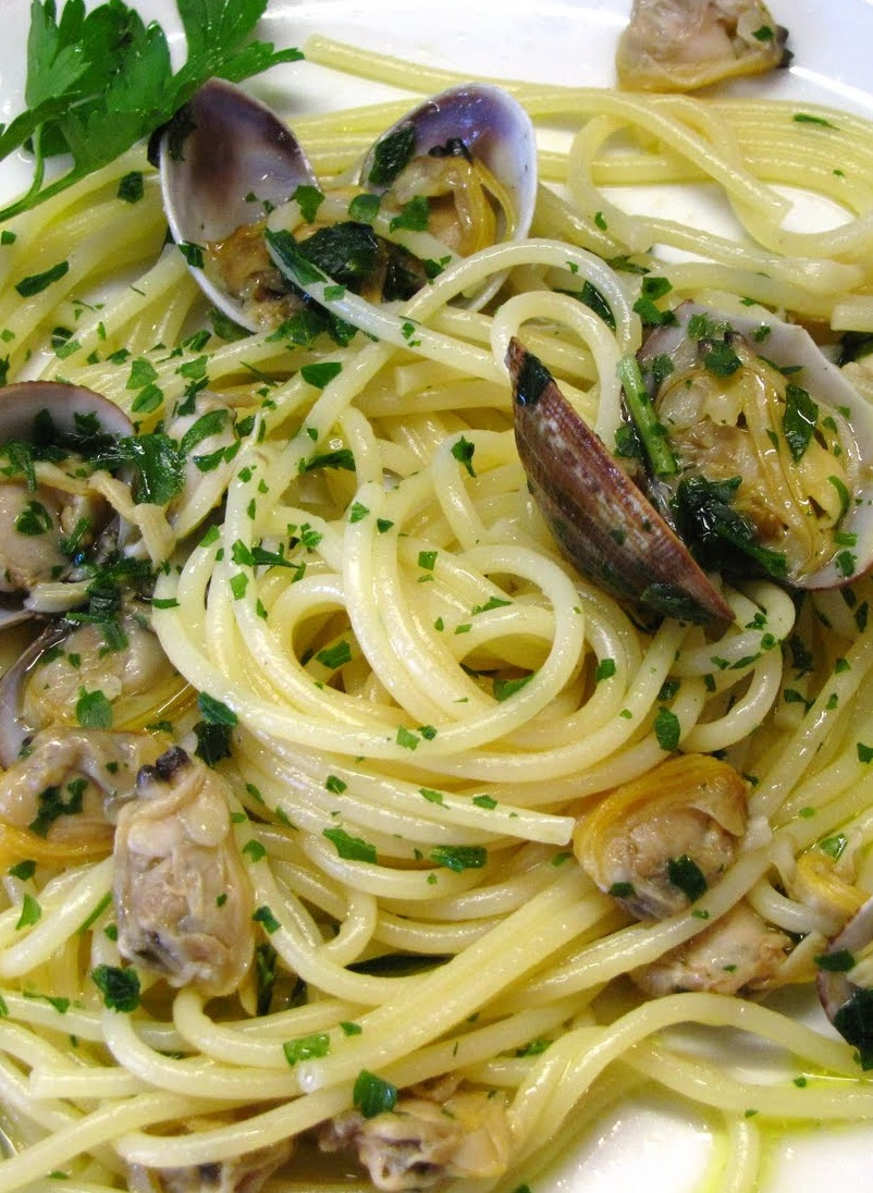 Spaghetti alle Vongole — George Hirsch - Chef and Lifestyle TV Host ...