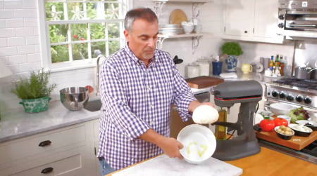George_Hirsch_Lifestyle_Pizza_dough112ss.png