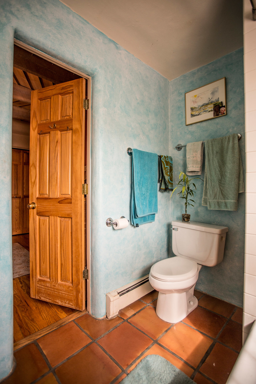 interiormasterbath.jpg