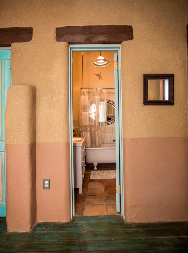 MainHousebathroom2.png