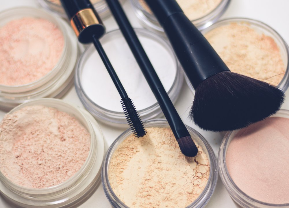 Face products, such as powder and blush - Which type of powder to use, blush colour choice and placement