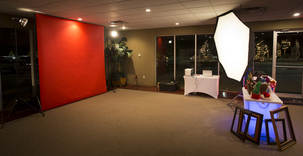 Please note that the Live Photo Booth can consume as much as a 20' x 25' area, but can be as small as a 15' x 15' area.