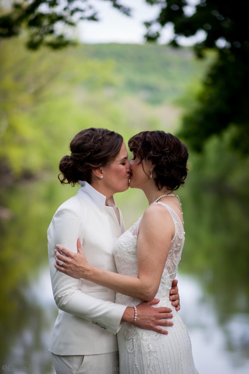 0008 Shelby and Jenn Riverview Simsbury Wedding2263.jpg