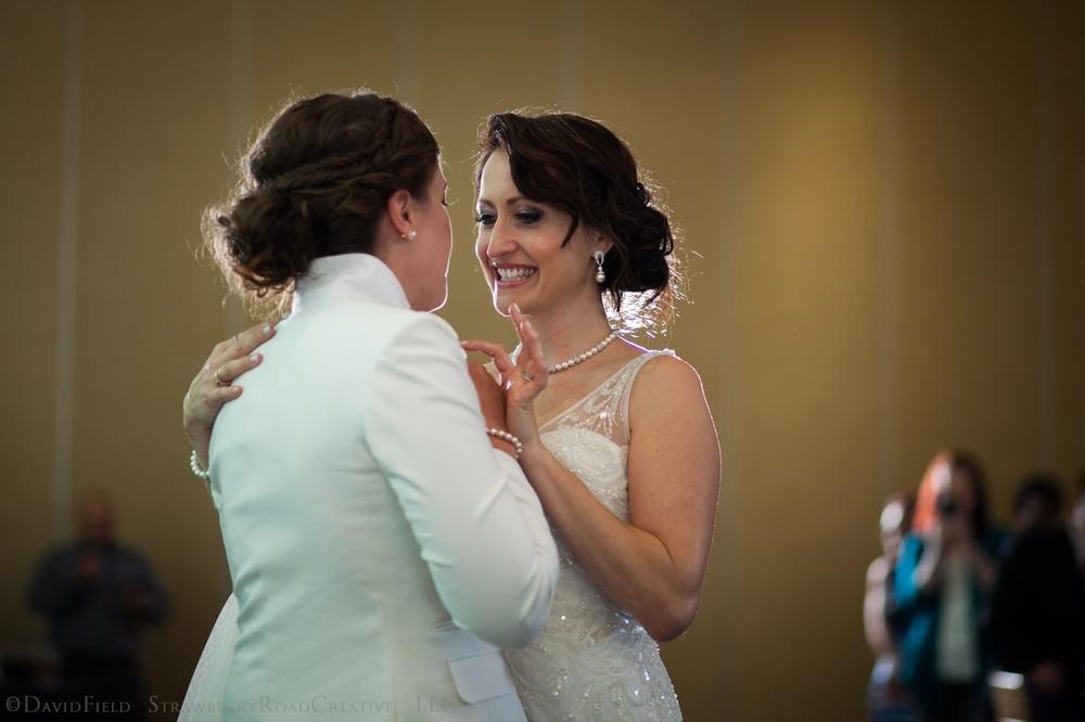 0014 Shelby and Jenn Riverview Simsbury Wedding2.jpg