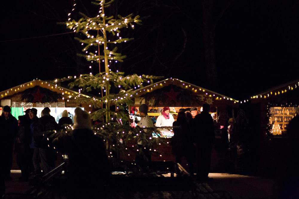 traveling igloo | Hohenzollern Castle Christmas Market