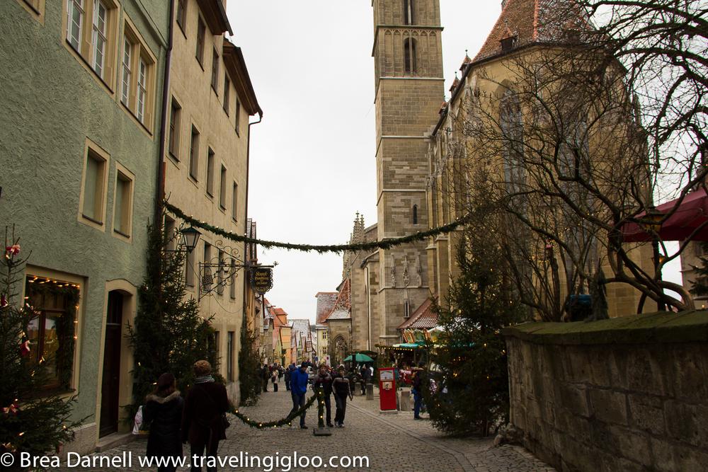 Rothenburg-Christmas-Market-20111.jpg