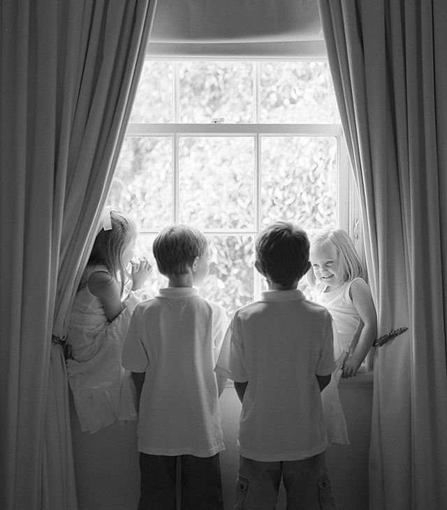 Flashback from over ten years ago! These sweethearts will most likely be finishing school, driving cars, planning futures and spending a lot of time on SnapChat. LOL Time flies in an instant, I remember that shoot so well 😊 #filmdays #adelaidefamilyphotographer #documentaryfamilyphotography #agfaapx400 #blackandwhite #adelaide #classickids #adelaidemums #flashback