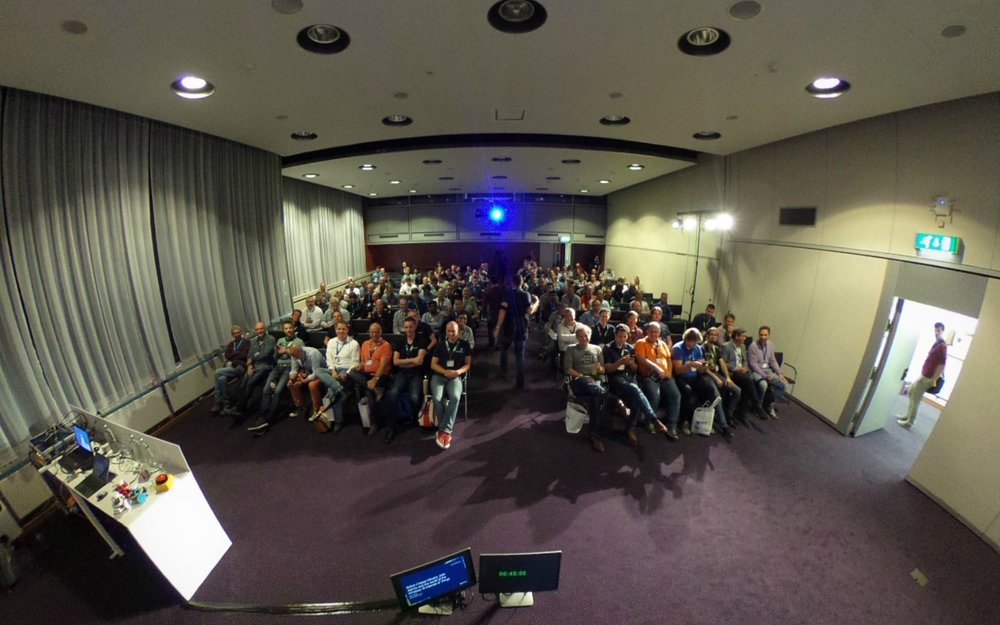 360 view!! Click on the image to get a 360 view of the lecture start
