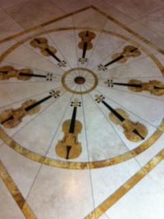 Robertson's Violin Shop — Katrin Meidell