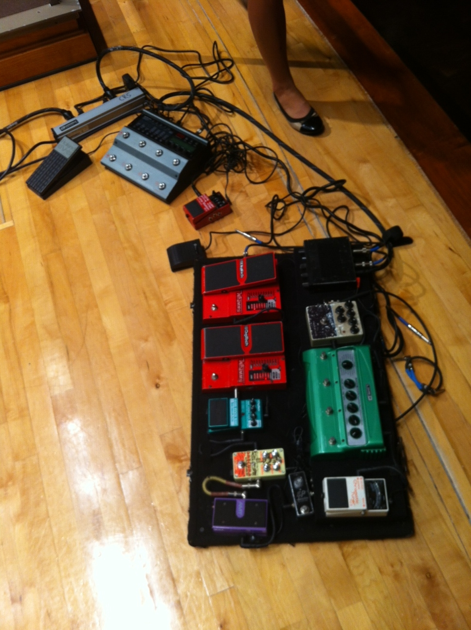 Look at all of those effects pedals!