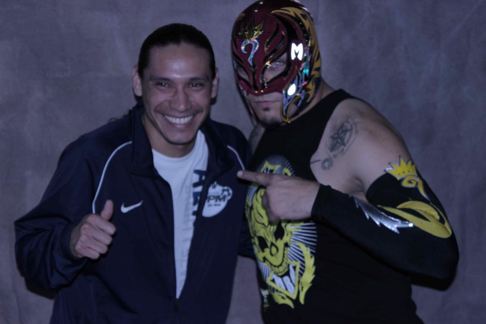 Wuilo Con Rey Mysterio Renovado