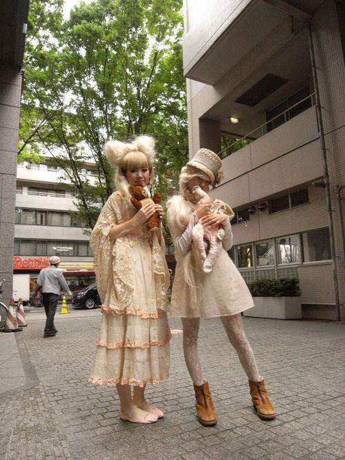 mori girls of tokyo - 4.jpg
