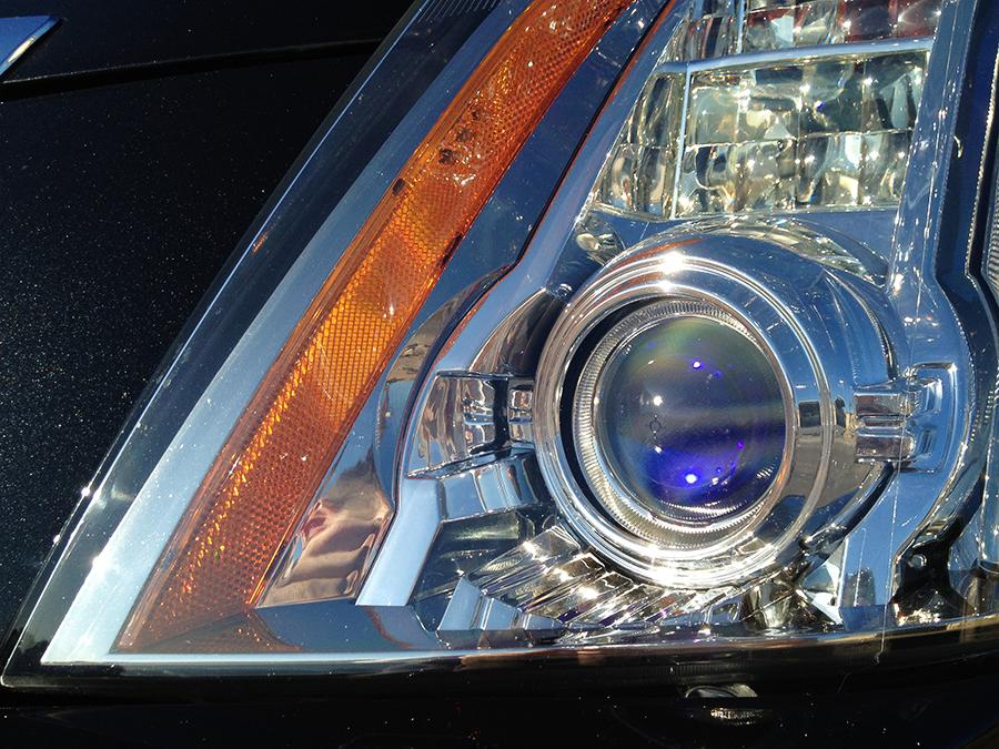 2009 cadillac cts headlight.png