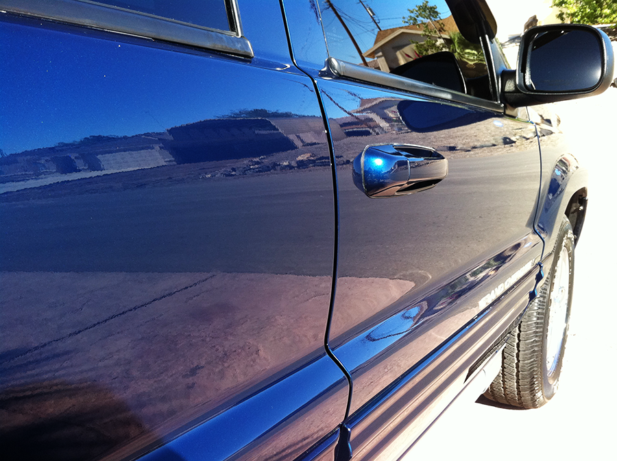 jeepgrandcherokeelimitedpassengerside angle.png