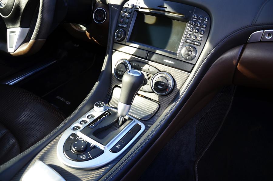 mercedes benz sl63 iwc edition interior (3).png