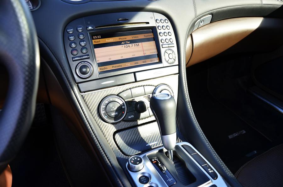 mercedes benz sl63 iwc edition interior (4).png