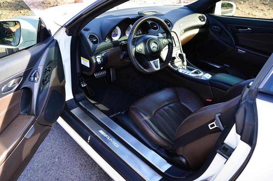 mercedes benz sl63 iwc edition interior (7).png