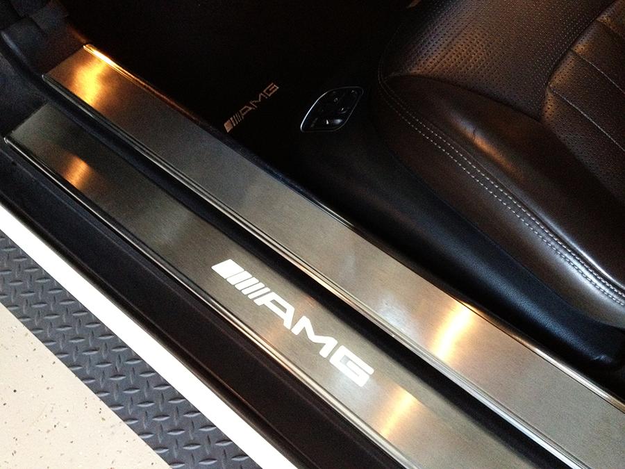 mercedes benz sl63 iwc edition interior (21).png