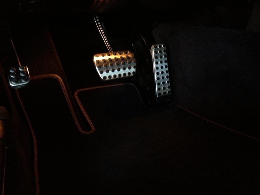 mercedes benz sl63 iwc edition interior (26).png