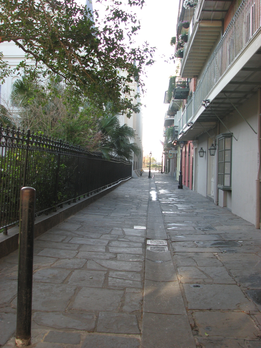 Pirates Alley.JPG