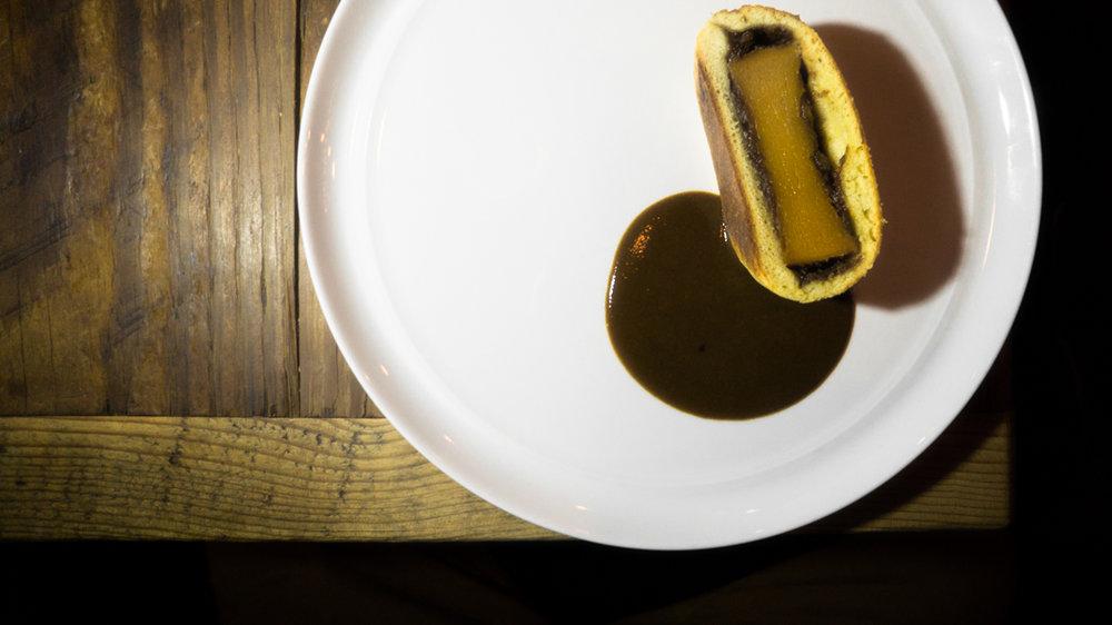 squash en brioche, date paste, sour squash dressing