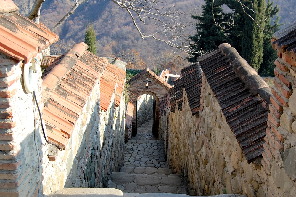 Path at Bodbe Monastery