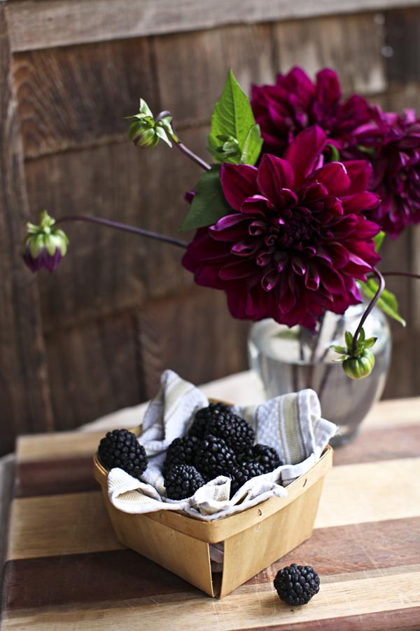 blackberrypearfennelfruitpizza2.jpg