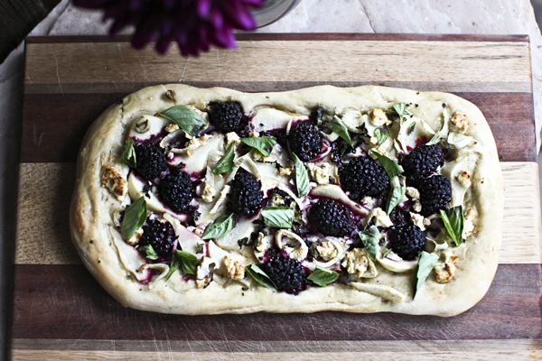 blackberrypearfennelfruitpizza13-1.jpg