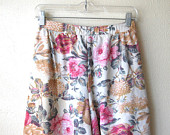 sale-textured-vintage-floral-shorts-size.jpeg