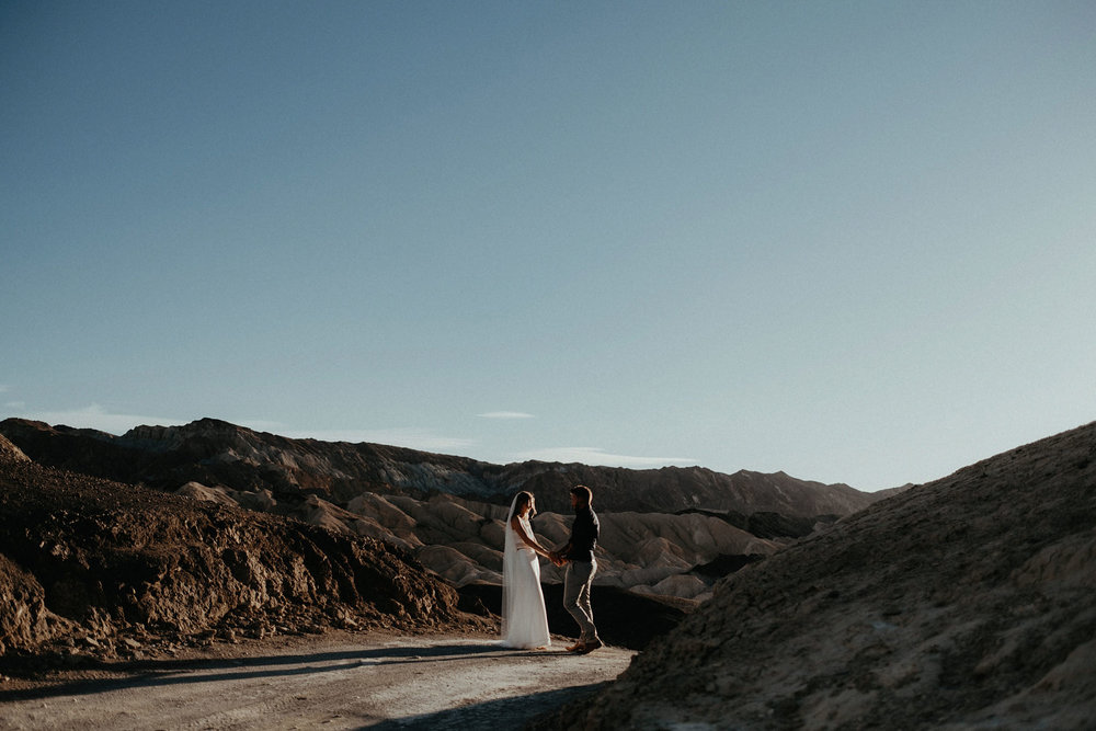 death valley adventure elopement wedding photographer national park couple sunset portrait photo