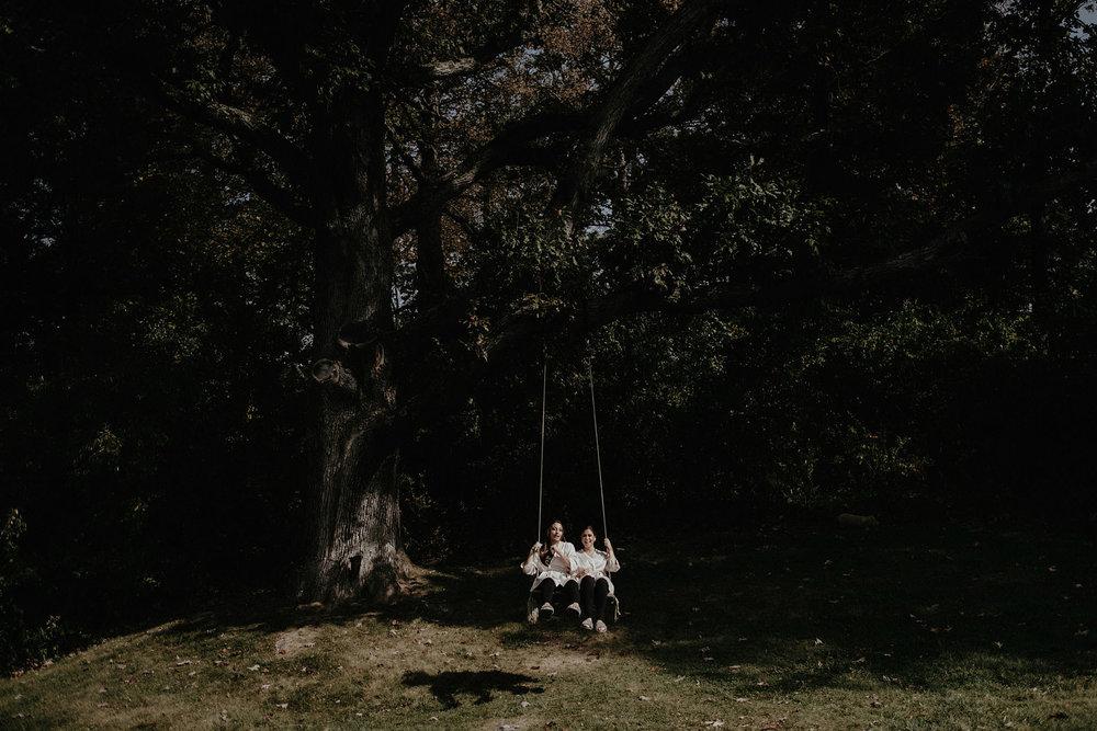 andover new jersey crossed keys estate adventure wedding photographer bridesmaids tree swing