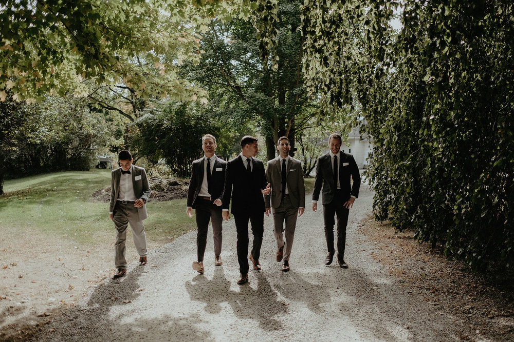 andover new jersey crossed keys estate adventure wedding photographer groom groomsmen walking