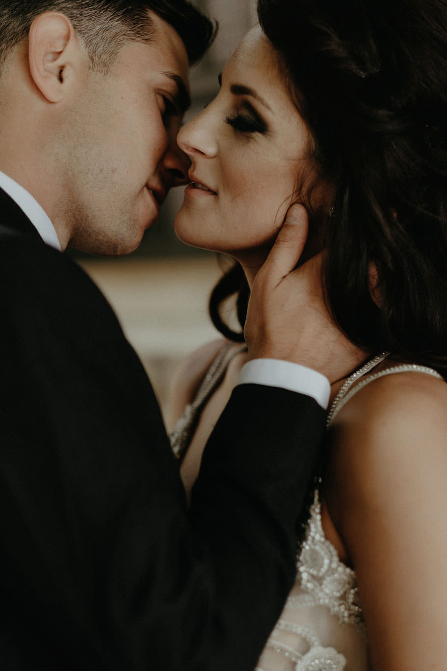 andover new jersey crossed keys estate adventure wedding photographer bride groom cuddling portrait