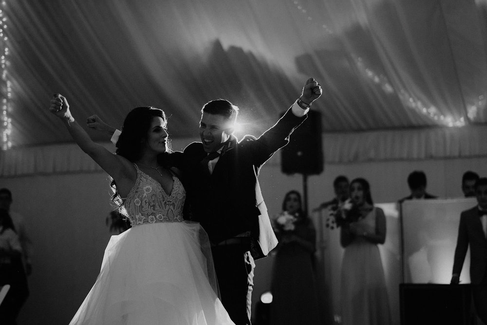 andover new jersey crossed keys estate adventure wedding photographer reception first dance