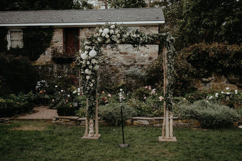 andover new jersey crossed keys estate adventure wedding photographer ceremony arbor flowers