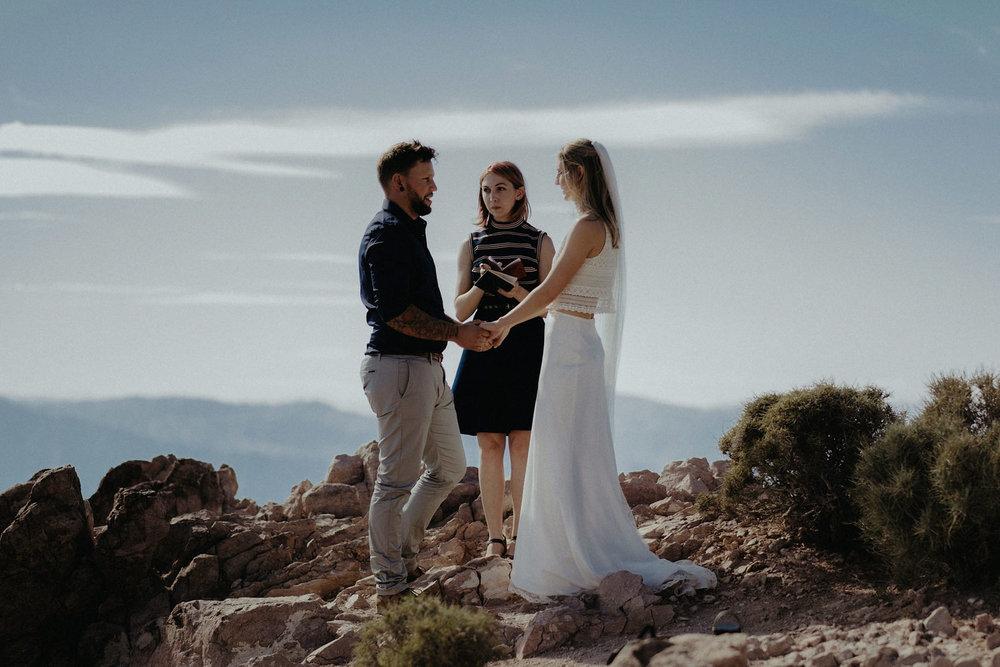 death valley national park adventure elopement photographer ceremony portrait