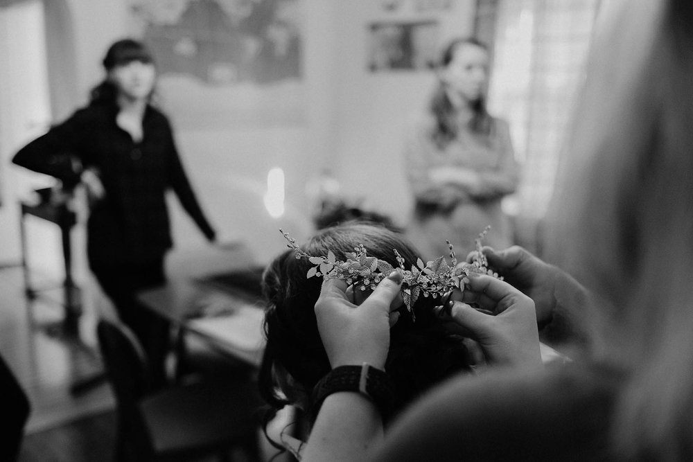 cincinnati warehouse wedding photographer bride crown