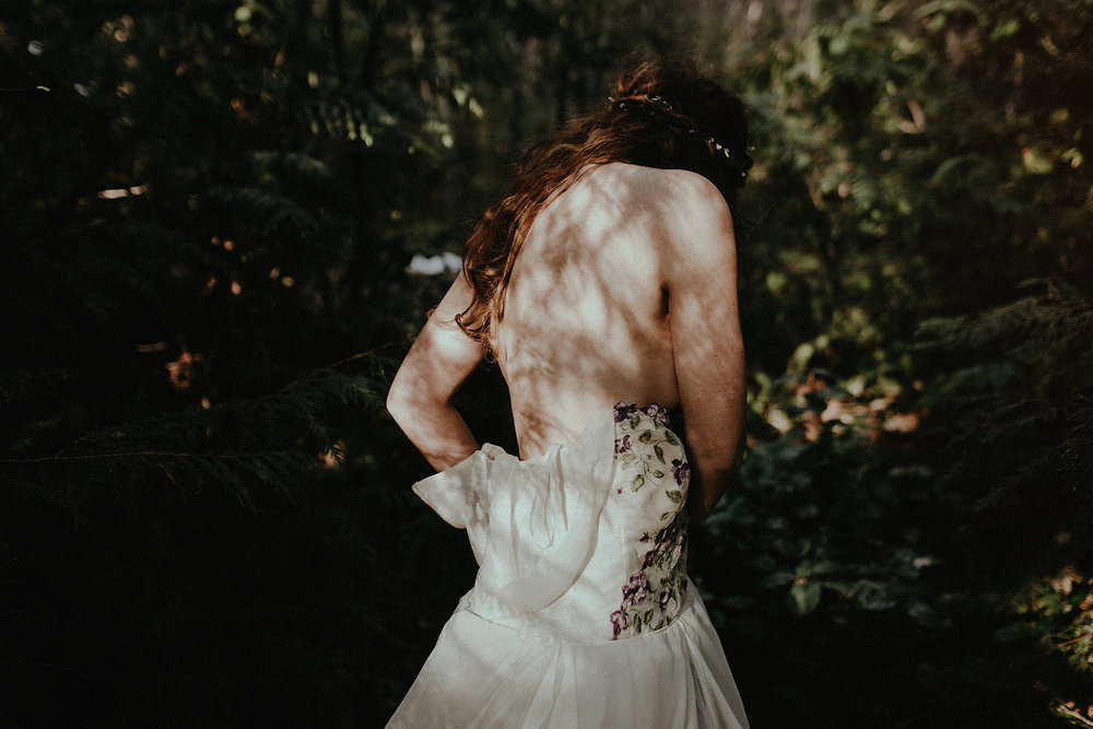 adventure wedding elopement bride dress olympic national park getting ready photo