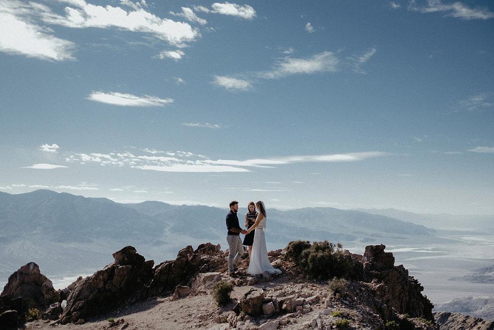 adventure elopement intimate wedding death valley ceremony dantes view mountain couple photo