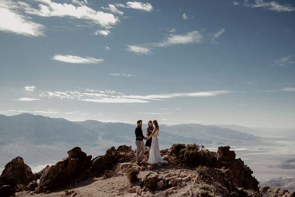 adventure elopement intimate wedding death valley ceremony dantes view mountain couple photo