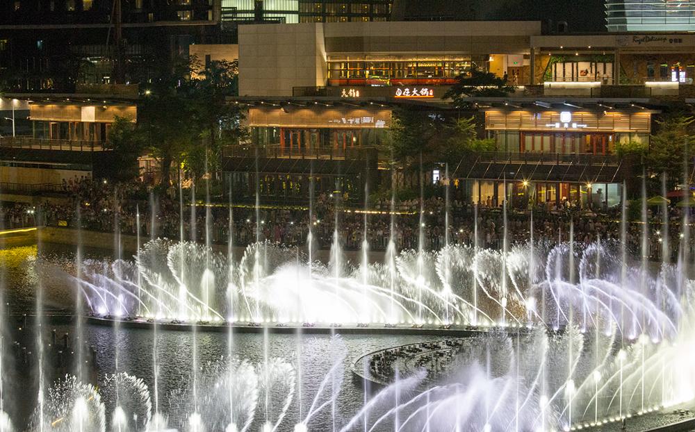 Sea-World-Shenzhen-45C-Fountain_2.jpg