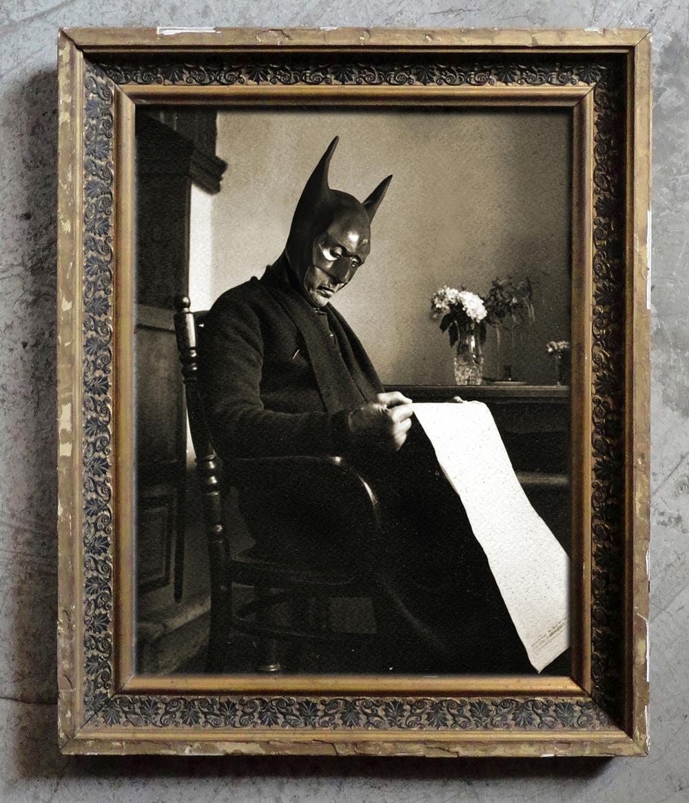 Foto Marvellini - Bat che legge.jpg