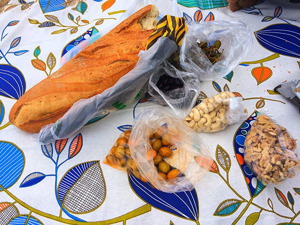 Ahhhh that perfect no-fuss picnic at the beach in Sitges...