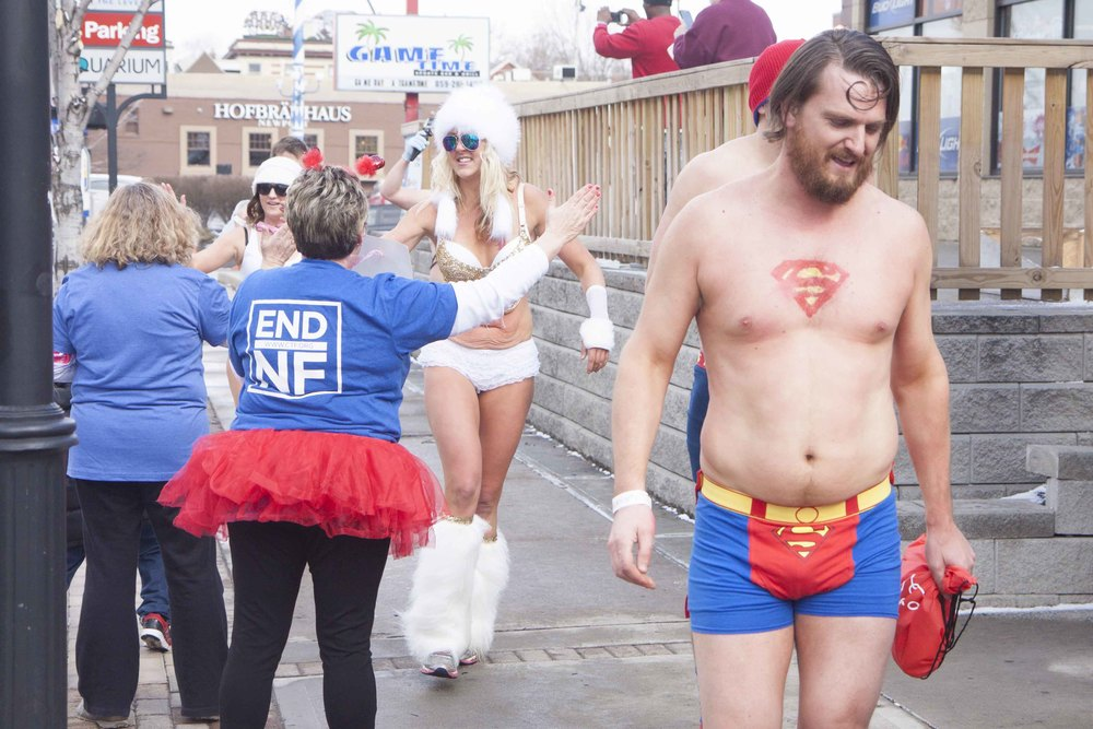 Cincinnati Cupid Undie Run 2015 - 44.jpg