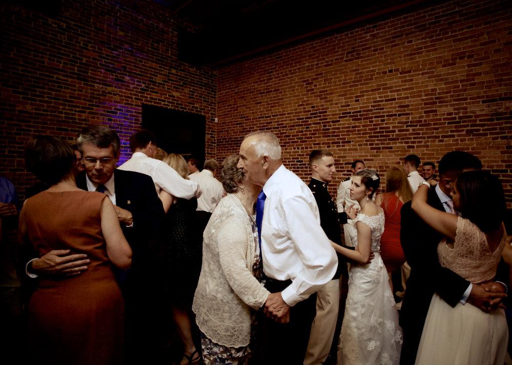 Wedding389.jpg