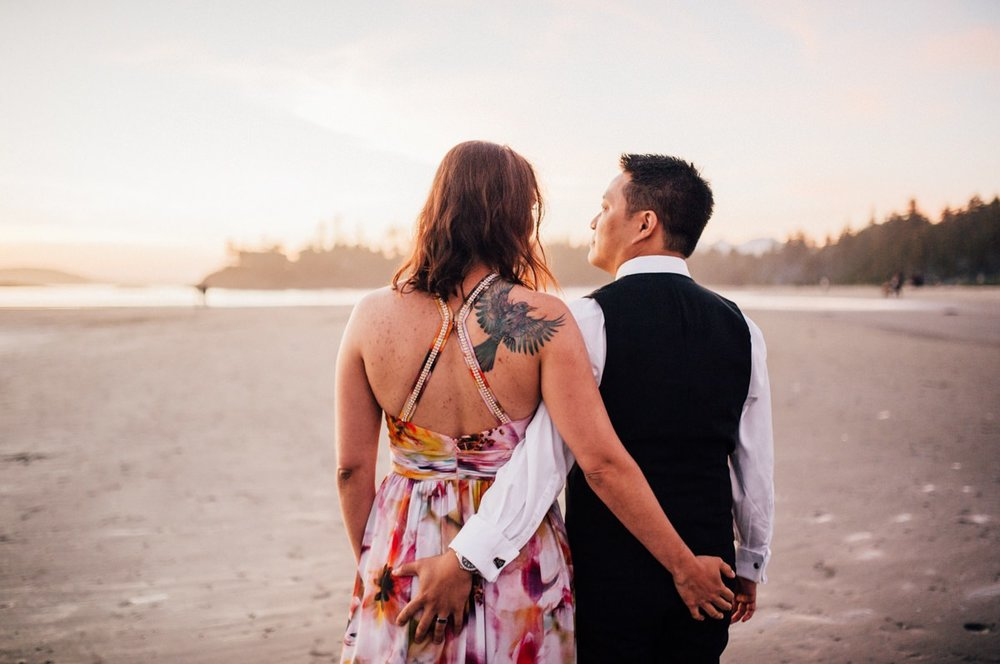 Amazing Tofino beach wedding