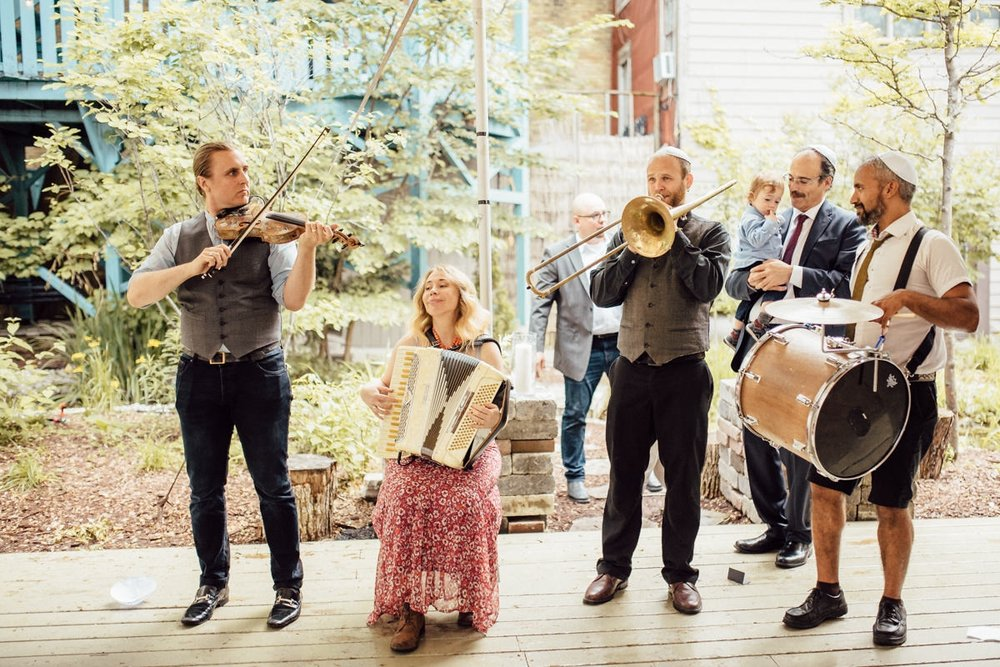 Creative Toronto wedding photography