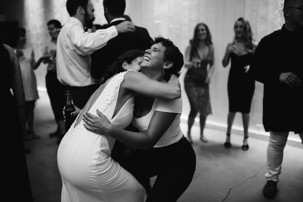 Creative dancing photos at wedding