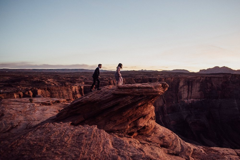 colourful engagement at horseshoe bend